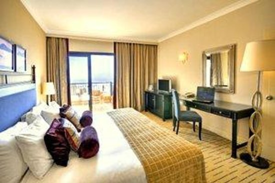 Corinthia Hotel St. Georges Bay: Executive Sea View Room