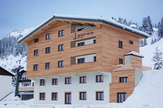 Laurus Hotel