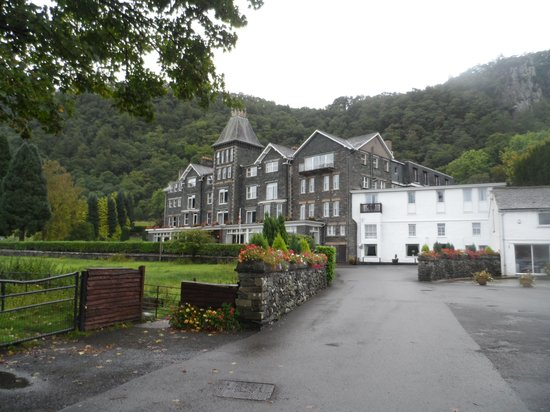 Lodore Falls Hotel: View from the car park