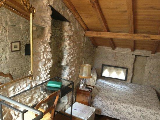 camera - Picture of La Terrazza Dei Pelargoni B&B, Ventimiglia ...