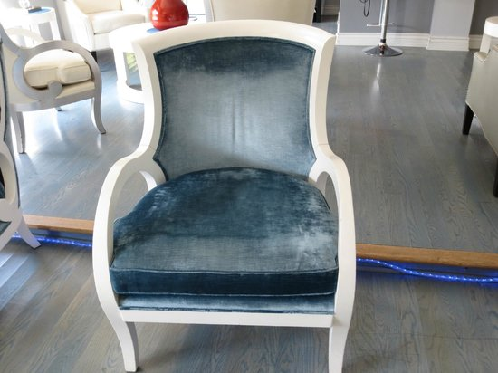 L.A. Sky Boutique Hotel: One of the many comfortable chairs in the Reception area