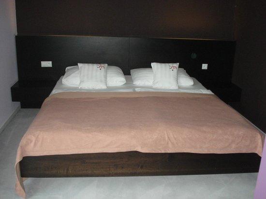 Hotel Magnus: dormitorio