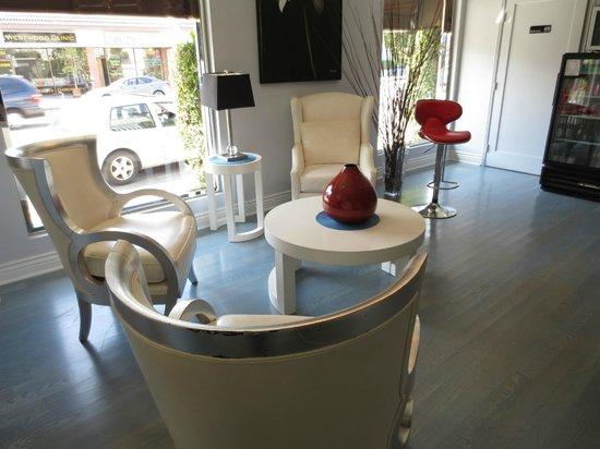 L.A. Sky Boutique Hotel: Reception area