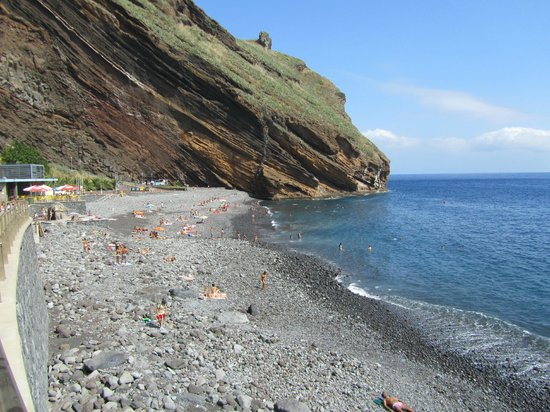 Dom Pedro Garajau : Галечный пляж