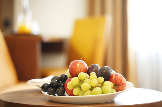 Walhalla Hotel: Fruit plate for Comfort Room