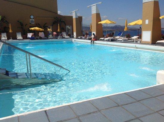 Bull Reina Isabel & Spa : Pool area