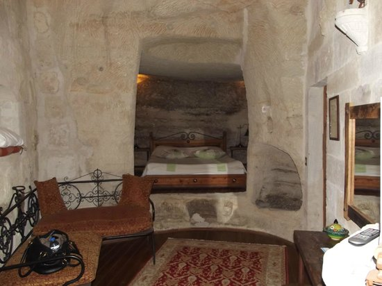 Sultan Cave Suites: Cave Room