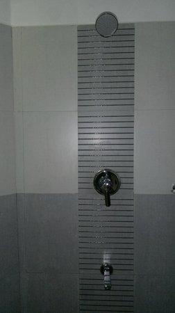 Hotel Great Jubilee: bathroom