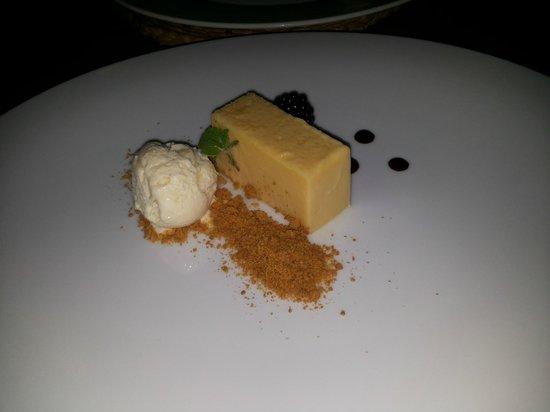 Belleek Castle Restaurant: Dolce al limone con gelato e zenzero