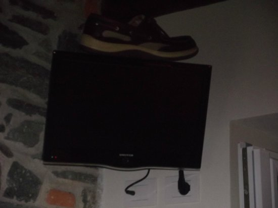 Locanda di Orta : TV with shoe