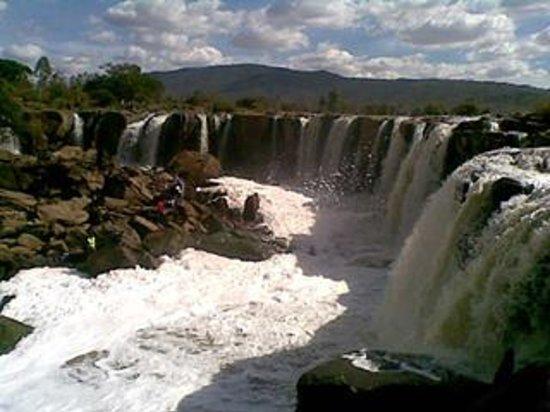 Fourteen Falls: falls create a spray that stinks of sewage