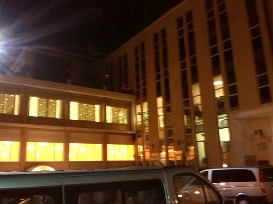 Hotel Calabresi: VEduta dal parcheggio