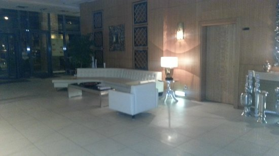Marmara Hotel Budapest: Lobby