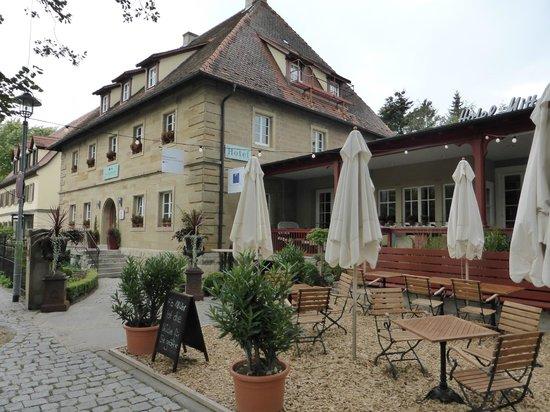 Mittermeier Restaurant & Hotel: fronte hotel & ristorante