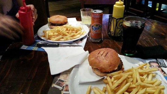Bounty: hamburger e patate