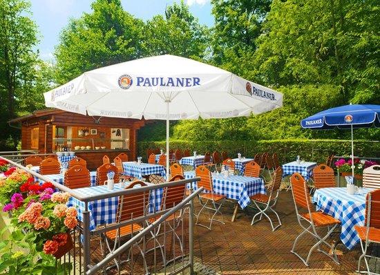 The Westin Grand Munchen: Beer Garden