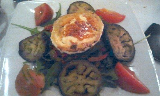 Ecocentro : Ensalada de berenjena y tomates con queso de cabra