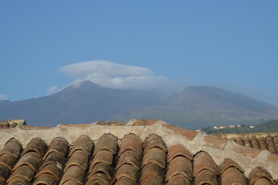 Etna Hotel : Vista dell'Etna, dalla camera