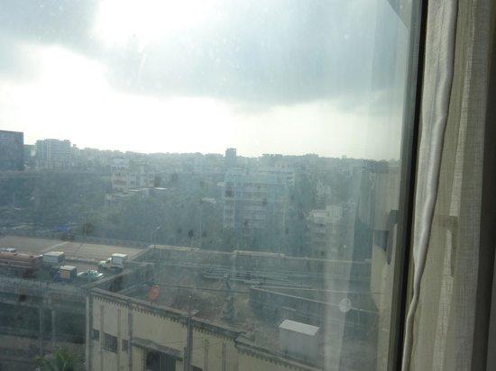 Residency Hotel Andheri: view of mumbai from hotel