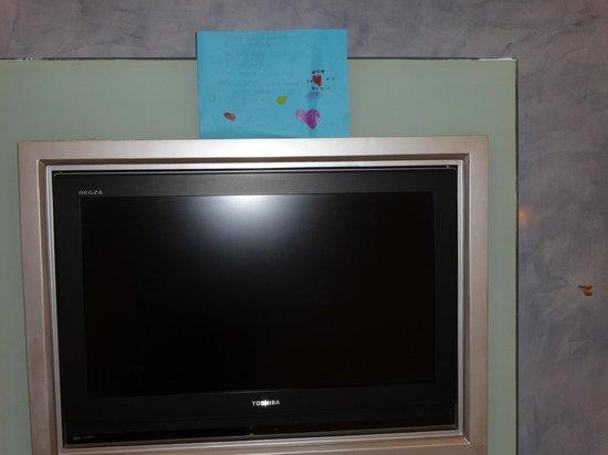Residency Hotel Andheri: Vinithaa's reminder on the tv