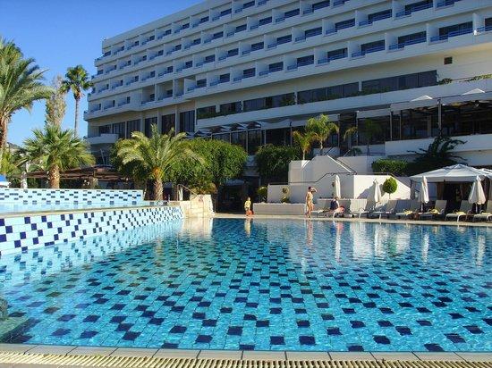 Elias Beach Hotel: Pool/Beach area