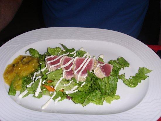 Elias Beach Hotel: tuna salad in kiku