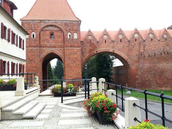 1231 Hotel : Hotel - left- just inside city walls - Lovely!