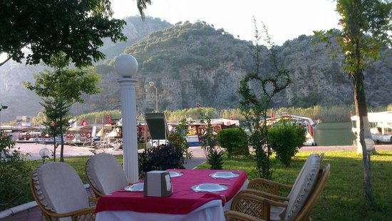 The White Lotus Restaurant: Uitzicht vanaf het restaurant