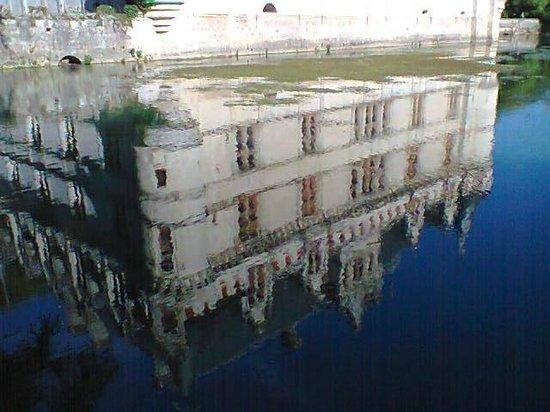 Le reflet du 39 miroir 39 bild von chateau of azay le rideau for Le reflet du miroir