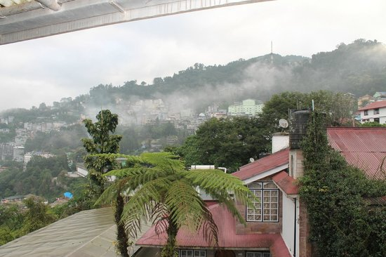 Cherry Guest House: Morning in Gangtok (view from Balcony)