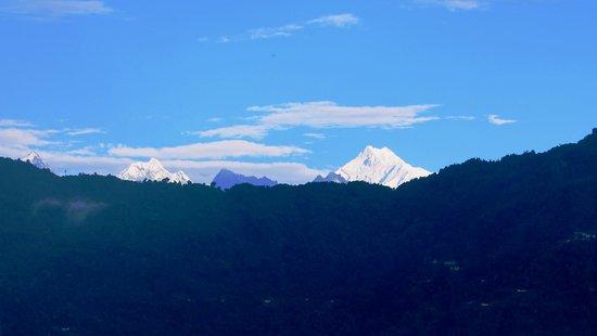 Cherry Guest House: Kanchenjunga peak view from Balcony