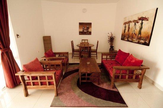 Nonara Beach Resort : Apartment living room