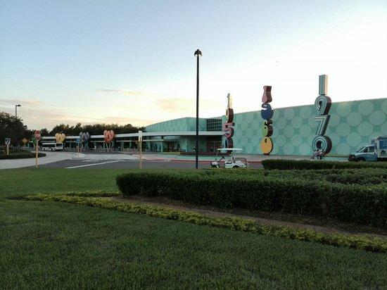 Disney's Pop Century Resort: entrada