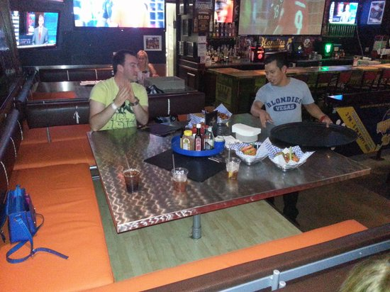 Blondies Sports Bar & Grill : Plenty of room for large groups.