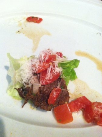 Urban Table: Beef short rib lettuce wrap