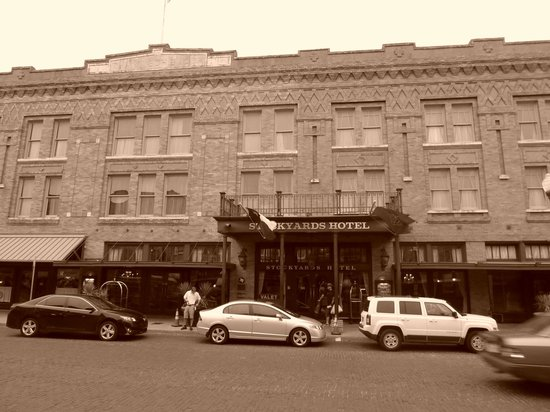 Stockyards Hotel: Hotel front