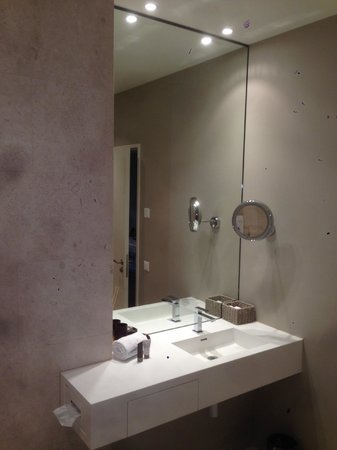 Limmathof Baden Hotel & Spa: mirrors