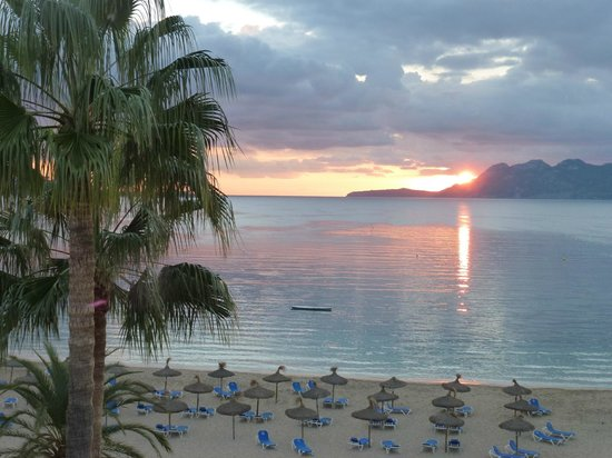 Hoposa Pollentia Hotel: Sunrise from Room 409 balcony