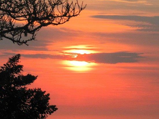 Oceana Beach and Wildlife Reserve: Sunrise on the Eastern Cape