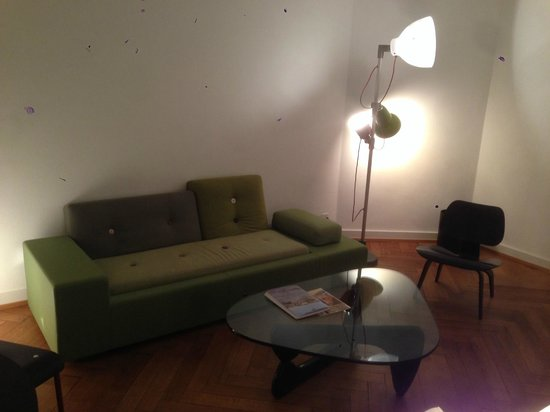 Krafft Basel : interesting sofa