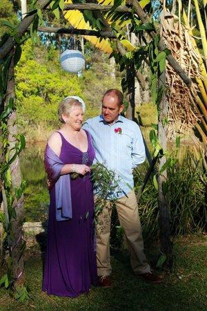 Kiwarrak Country Retreat: wander around the grounds