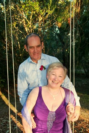 Kiwarrak Country Retreat: swinging