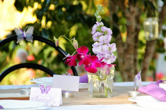 Kiwarrak Country Retreat: table decs