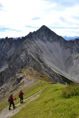 Rosshütte: Top of the Rosshutte, a challanging path ahead