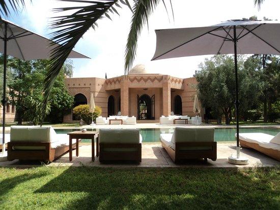 Villa Al Assala: la villa et la piscine