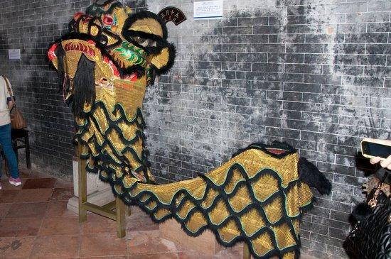 Sun Yat Sen's Residence Memorial Museum: Many interesting items on display