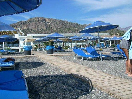 Sunshine Crete Beach : Une eau chaude et claire