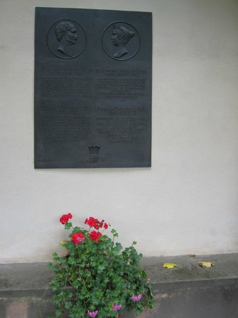 Rosengarten der Neuen Residenz: Rose Garden at the New Residenz・・・説明プレート