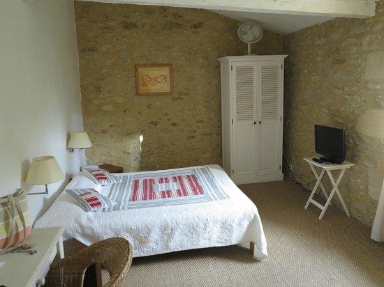 Hotel de Charme La Maison des Peyrat : chambre N°1
