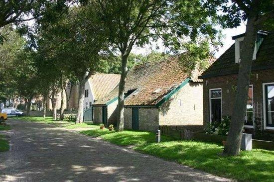 De Friese Antillen : Our street in Hollum